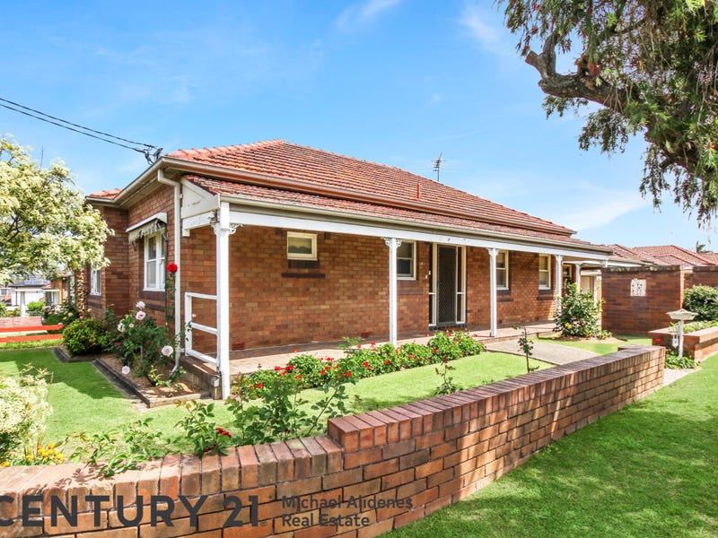 16 Mayfair Crescent, Beverly Hills, NSW 2209