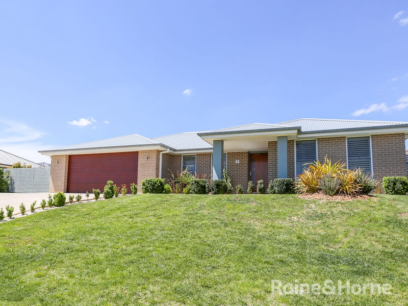 33 Emerald Drive, Kelso, NSW 2795