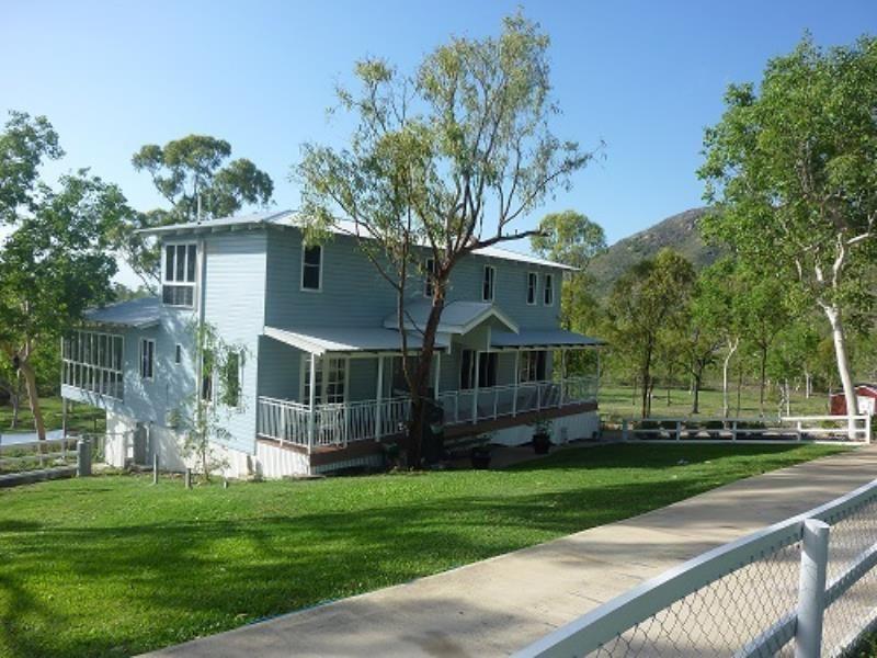 199 Chisholm Trail, Oak Valley, Qld 4811