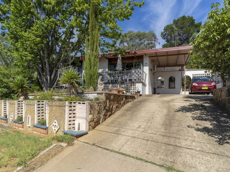24 Brereton Street, Queanbeyan West, NSW 2620