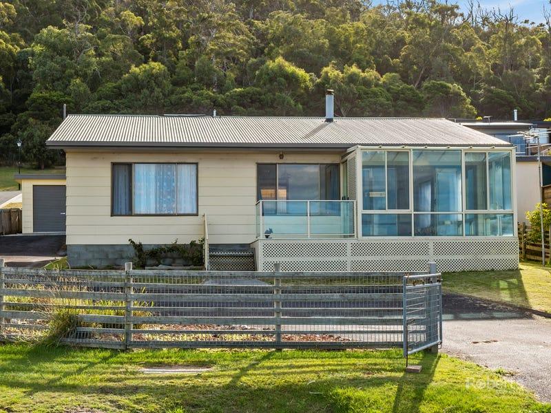 140 Tasman Highway, Bicheno, Tas 7215