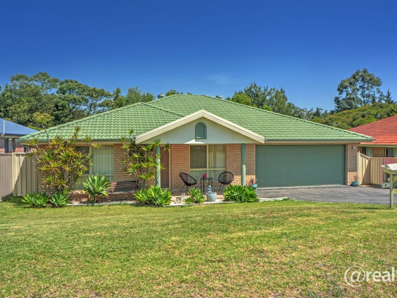 9 Emerald Drive, Meroo Meadow, NSW 2540