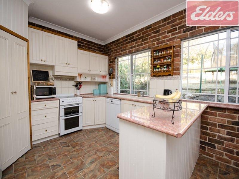 682 Mahers Road, Bonegilla, Vic 3691