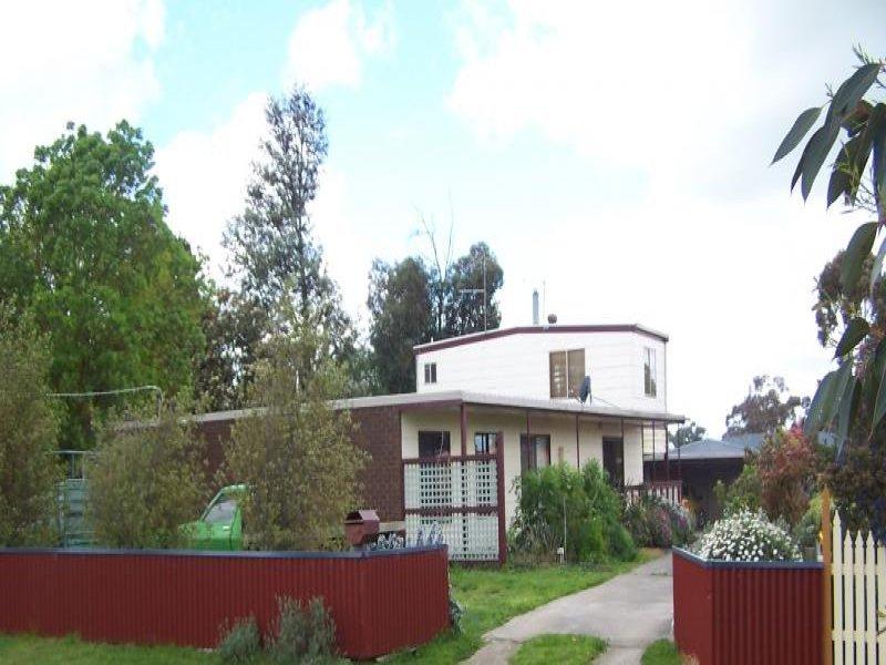 32 Yarima Street, Cressy, Vic 3322