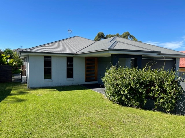 14 Turvey Crescent, St Georges Basin, NSW 2540