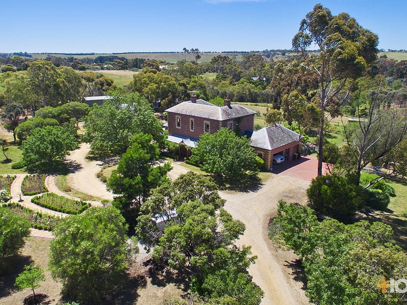 39 Blackall Road, Batesford, Vic 3213