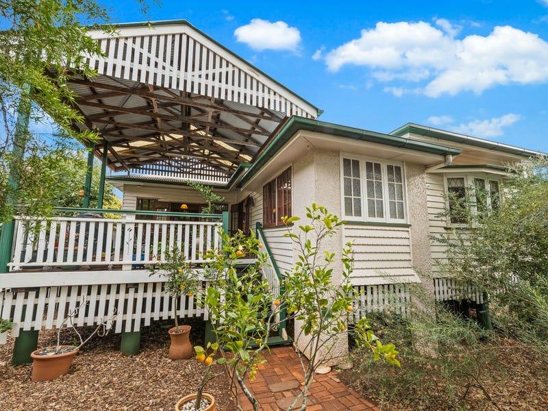 24 Moloney Street, North Toowoomba, Qld 4350