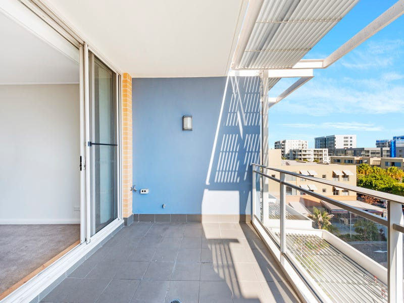 642/2 The Crescent, Wentworth Point, NSW 2127