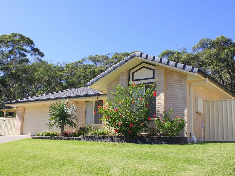4 Friendship Place, Dunbogan, NSW 2443