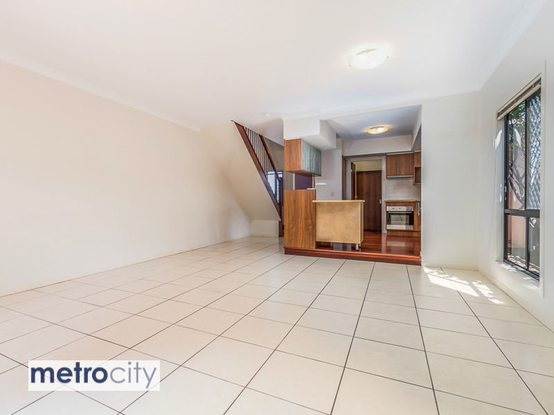 2/19 Western Avenue, Chermside, Qld 4032