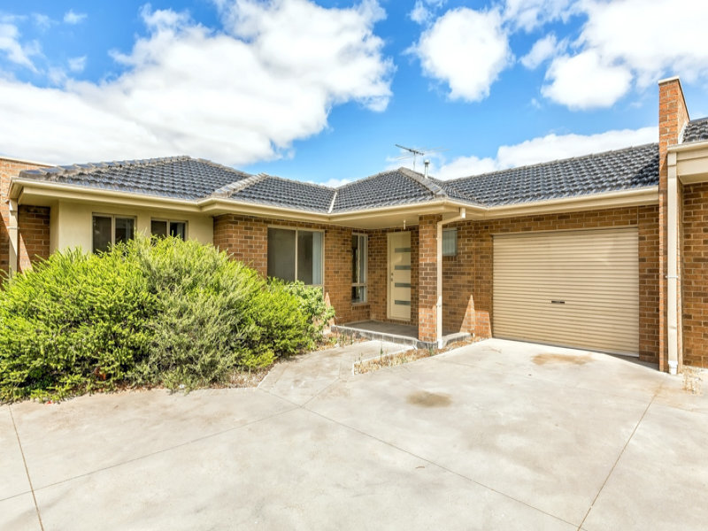 Unit 3/6-7 Lydeamore Place, Kurunjang, Vic 3337
