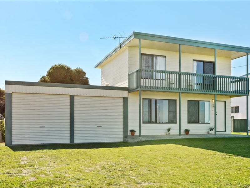 12 Island View Drive, Clayton Bay