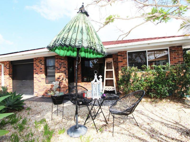 2/4 Damian Close, Harrington, NSW 2427