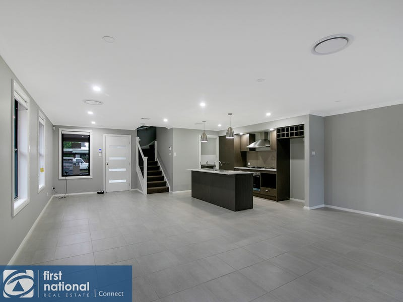 2/4 Conrad Street, Richmond, NSW 2753