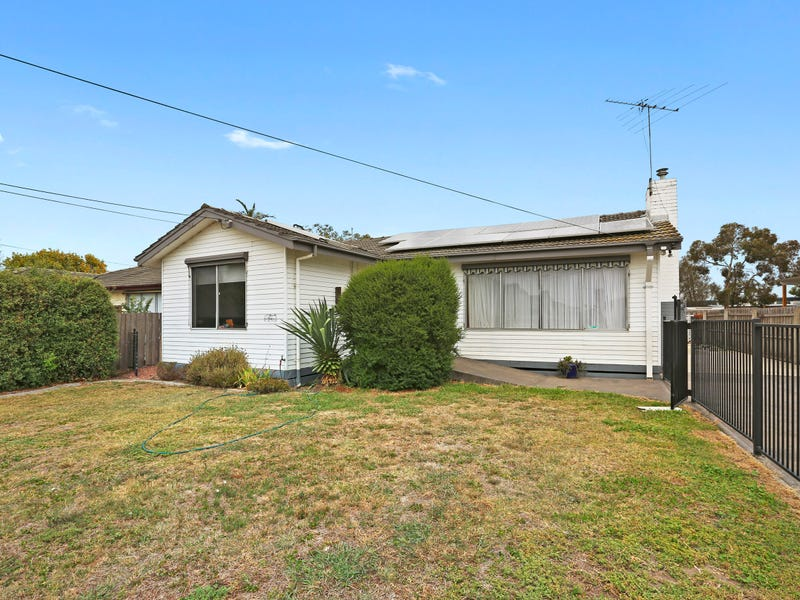 16 Lucas Street, Newcomb, Vic 3219