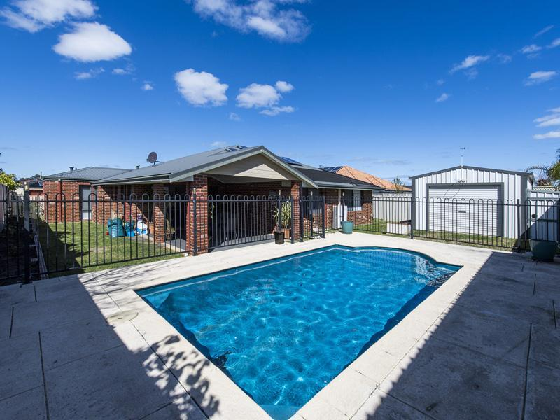 7 Lombadina Parade, Secret Harbour, WA 6173