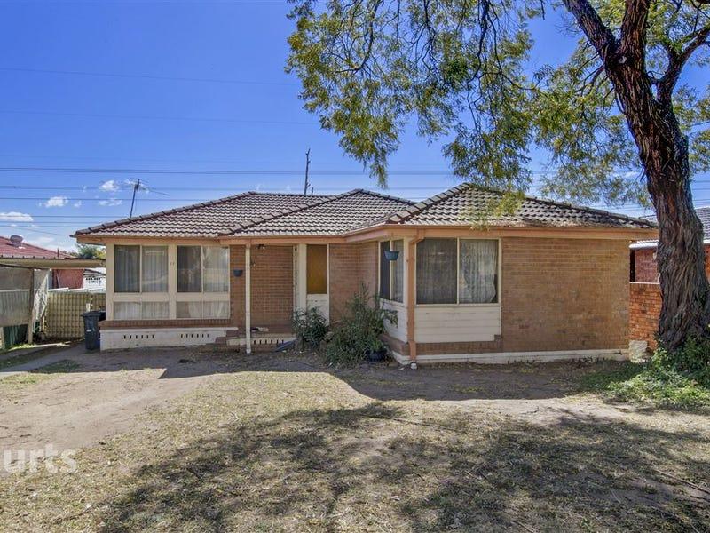 17 Walshe Grove, Bidwill, NSW 2770