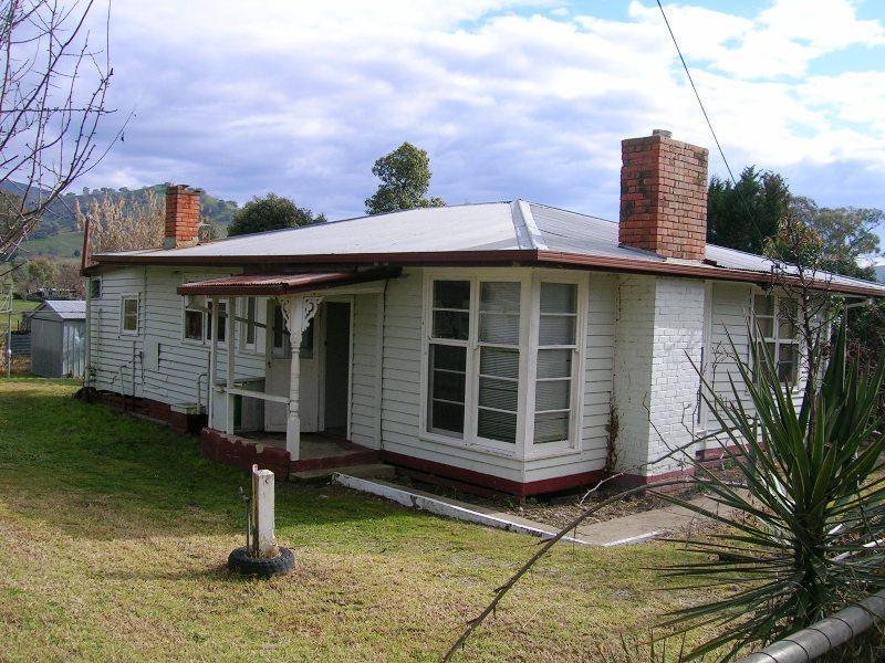 18 Shelley Road, Walwa, Vic 3709