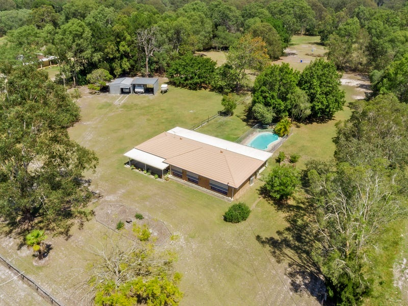 17 Bellay Road, Beachmere, Qld 4510
