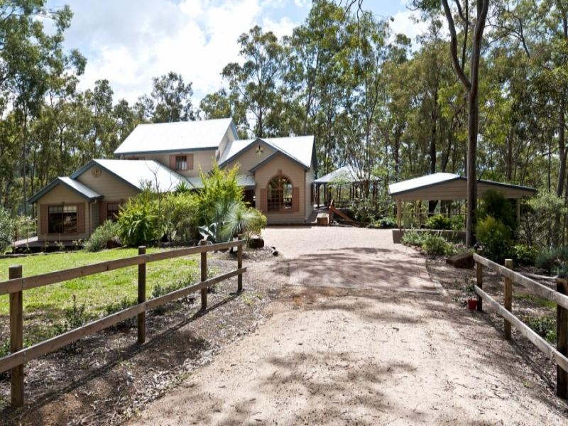 211 Silver Pinch Road, Middle Ridge, Qld 4350