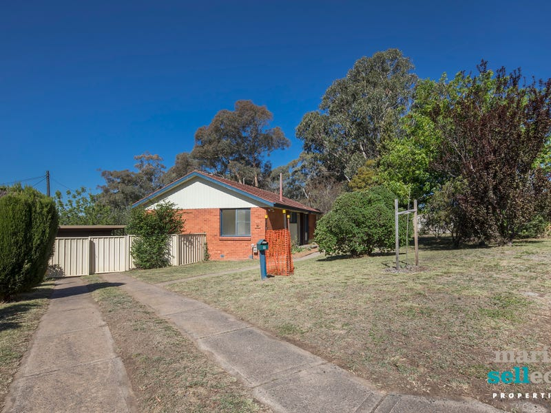 17 St Clair Place, Lyons, ACT 2606