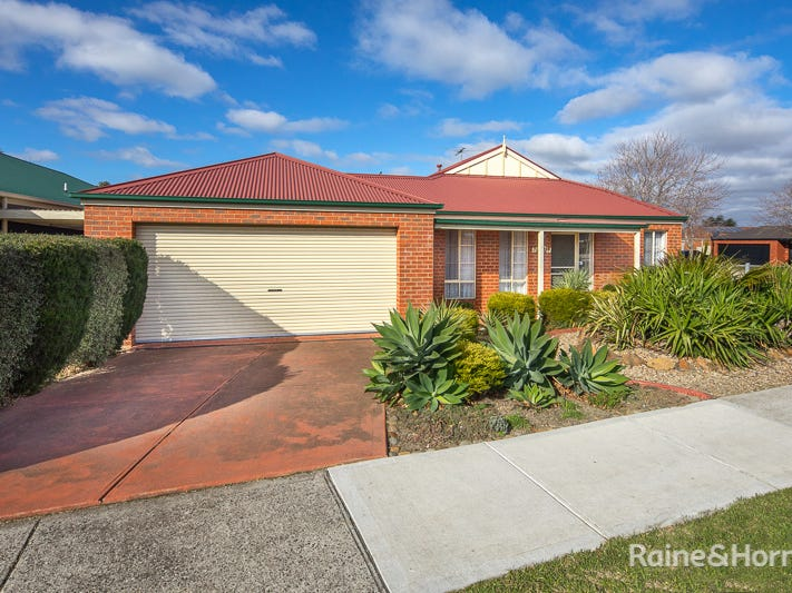 75 Cover drive, Sunbury, Vic 3429