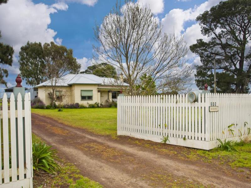 215 Pierces Road, Weering, Vic 3251