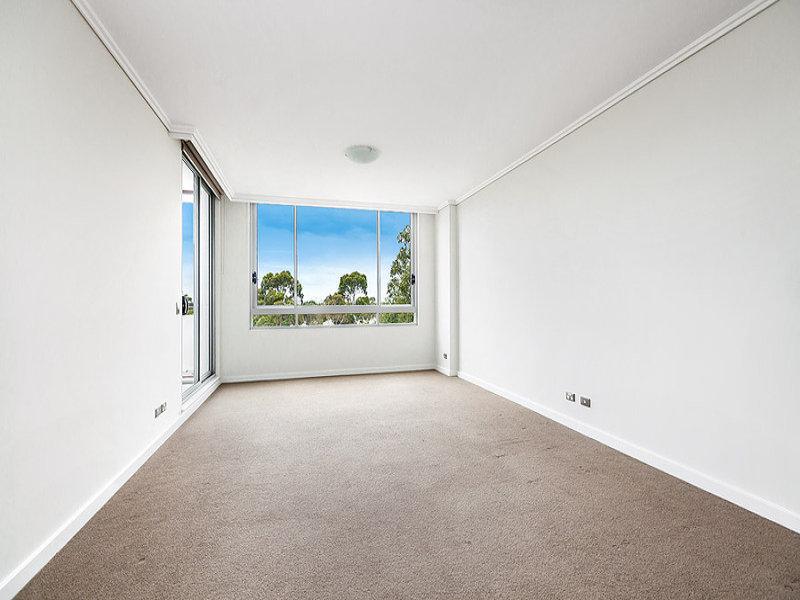 D205/6 Latham Terrace, Newington