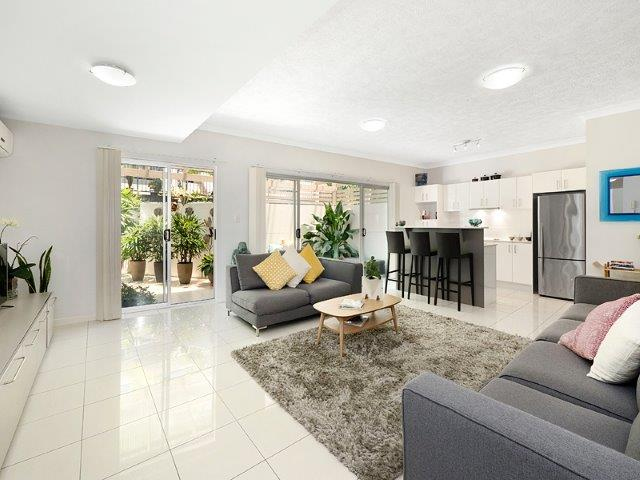 1/159 Clarence Road, Indooroopilly