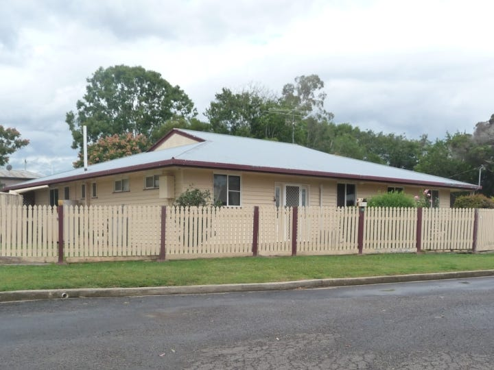10 Rose Street, Murgon, Qld 4605