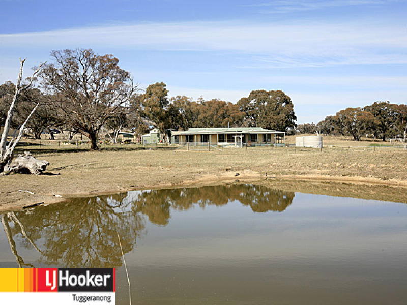 11 Mackenzie Road, Royalla, NSW 2620