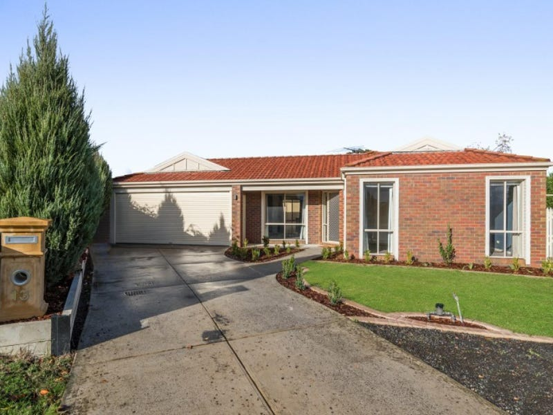 13 Robinia Court, Kilmore, Vic 3764