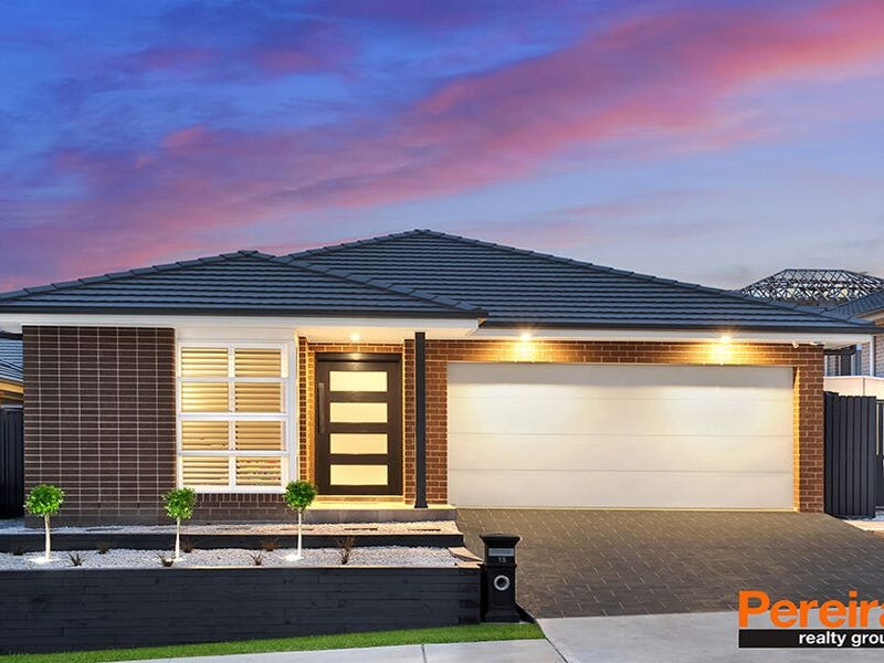 15 Buckingham Loop, Oran Park, NSW 2570