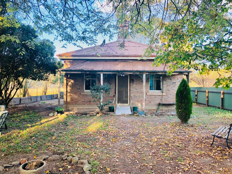 1 Portland Road (Railway Cottage), Pipers Flat, NSW 2847