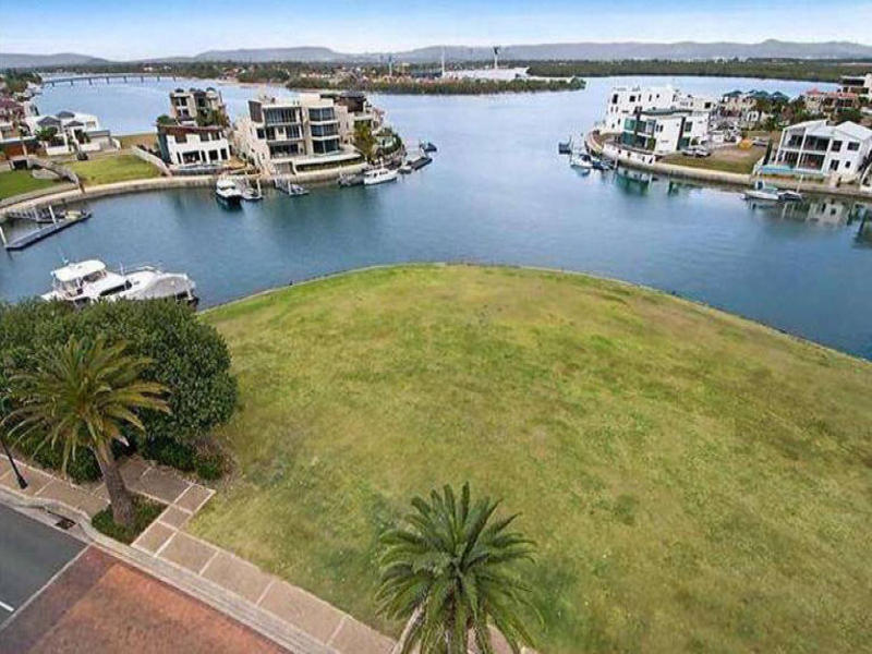 52 The Sovereign Mile, Sovereign Islands, Qld 4216