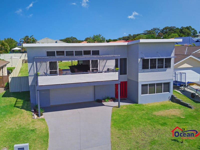 2 Grenadines Way, Bonny Hills, NSW 2445