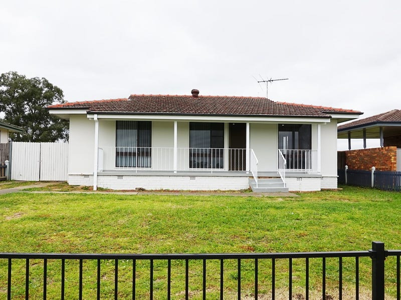 6 Waterhouse Place, Airds, NSW 2560