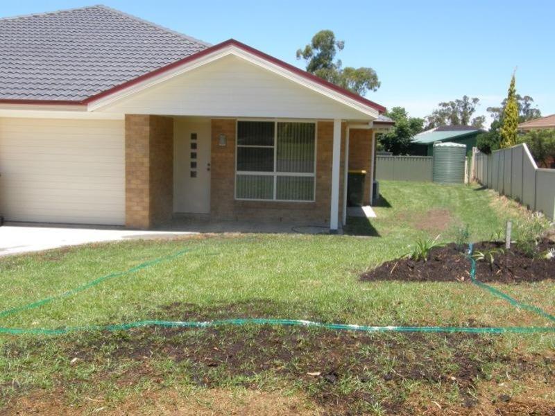 2/17 ASKIN Pl, Scone, NSW 2337