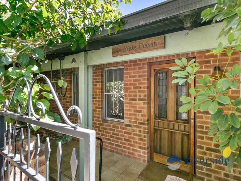 2/40 Thompson Road, North Fremantle, WA 6159