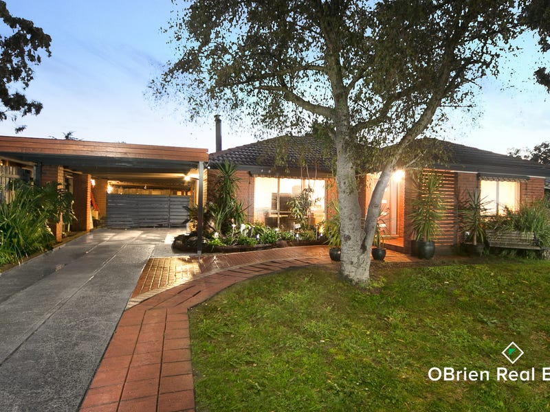 8 Ruffy Drive, Cranbourne, Vic 3977
