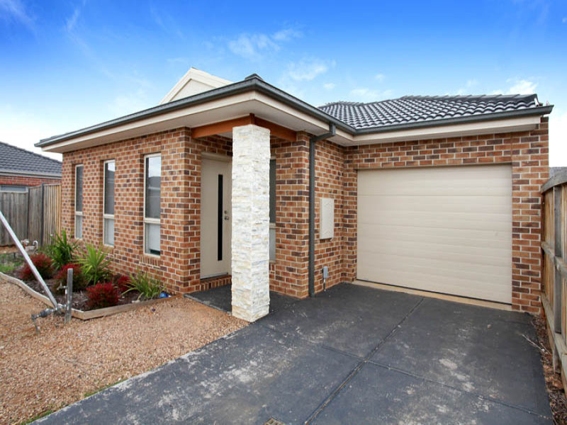 4 Goodenia Place, Brookfield, Vic 3338