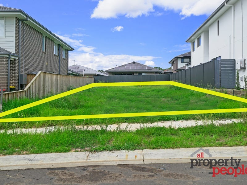 12 Olley Street, Claymore, NSW 2559