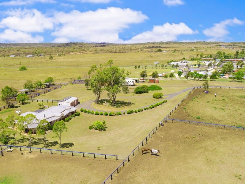 1077 Warrego Highway, Charlton, Qld 4350