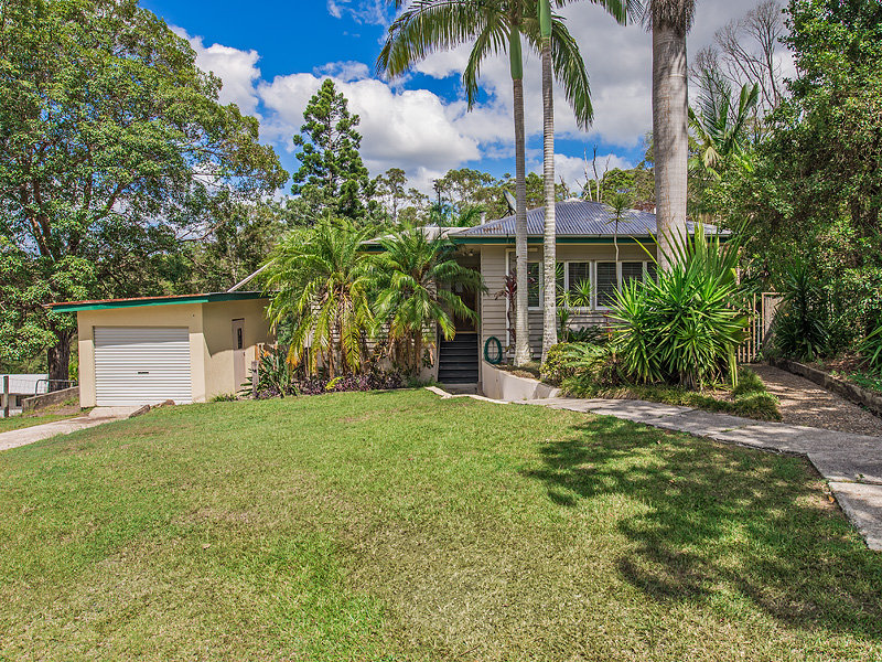 12  Laburnum Grove, Parklands, Qld 4560