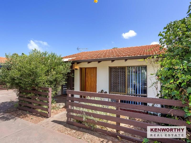 2/165 Moreing Road, Attadale, WA 6156
