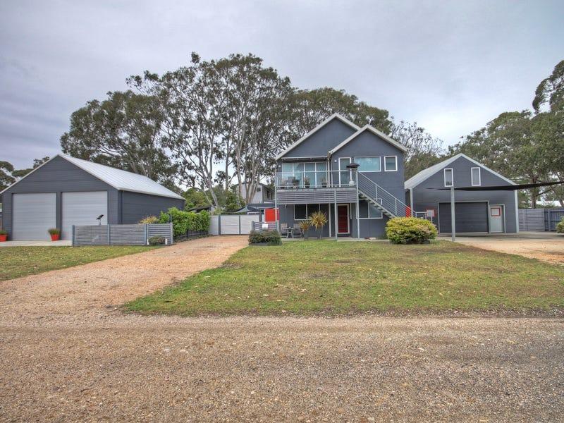 63-65 Tenth, Raymond Island, Vic 3880