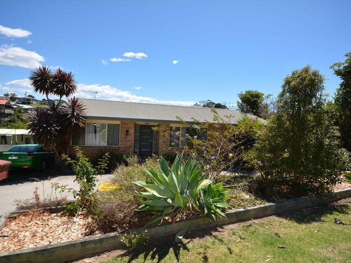 17 Hart Street, Bermagui, NSW 2546