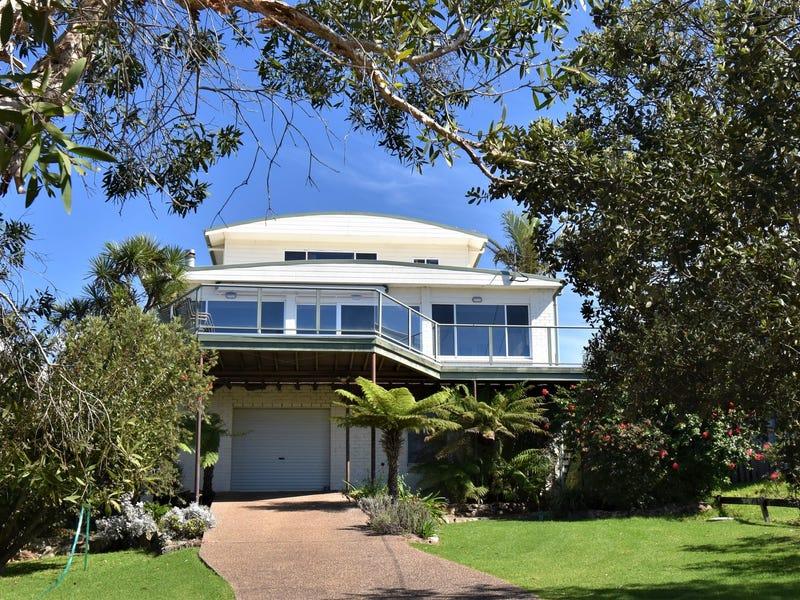 32 Lakeview Drive, Wallaga Lake Heights, NSW 2546