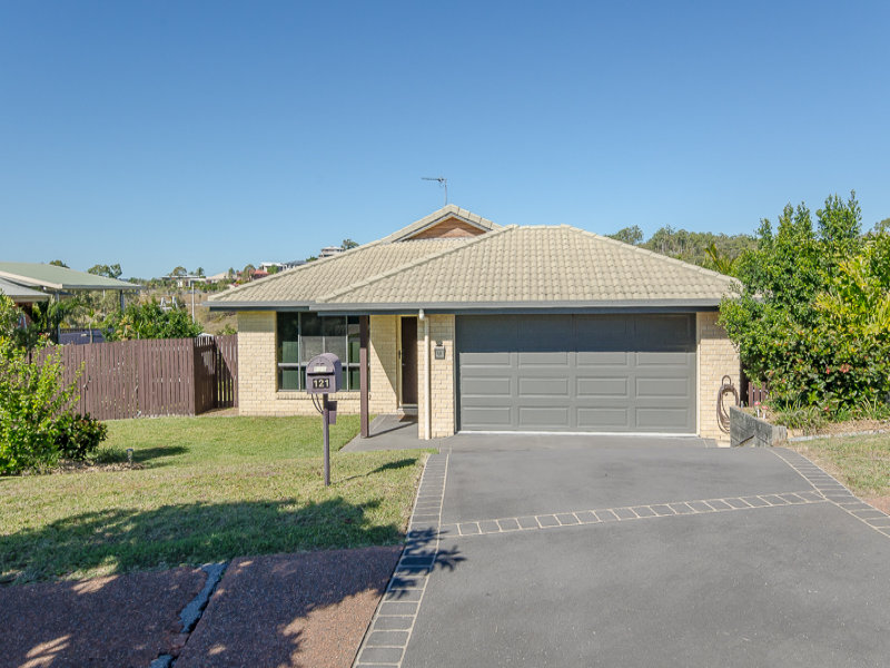 121 Emmadale Drive, New Auckland, Qld 4680