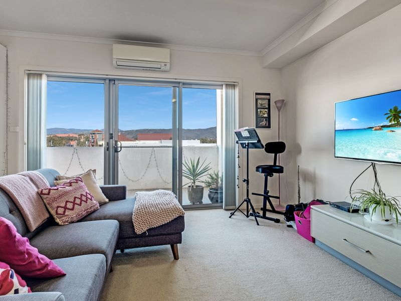 209/142 Anketell Street, Greenway, ACT 2900